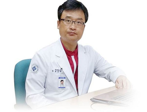 Chủ tịch Hiệp hội Thẩm mỹ Hàn Quốc – Giáo sư Kang Kyuong-Jin