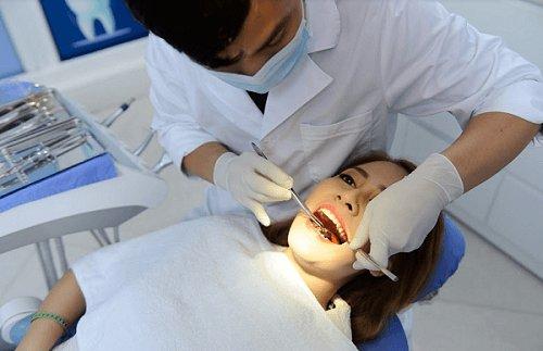 tẩy trắng răng 10