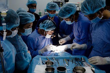 phi thanh vân phẫu thuật những gì 4
