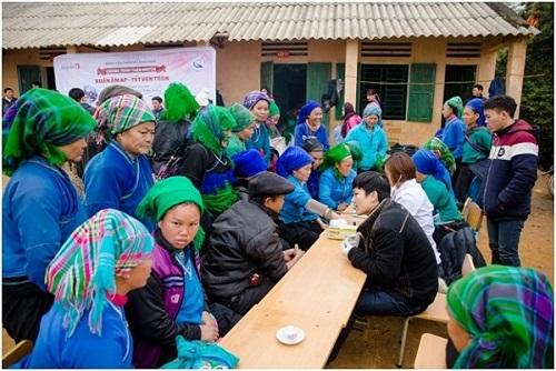 Chương trình khám chữa bệnh miễn phí của đoàn từ thiện Bệnh viện thẩm mỹ Kangnam tại Hà Giang