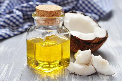 chống nhăn vùng mắt bằng dầu dừa