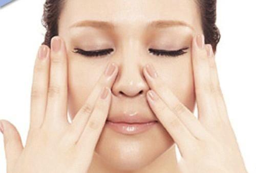 massage xóa rãnh mũi má