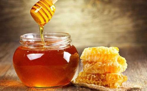 chữa hôi nách bằng mật ong