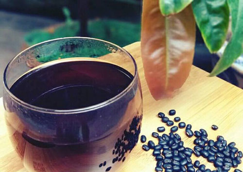 drink roasted black bean juice to lose weight