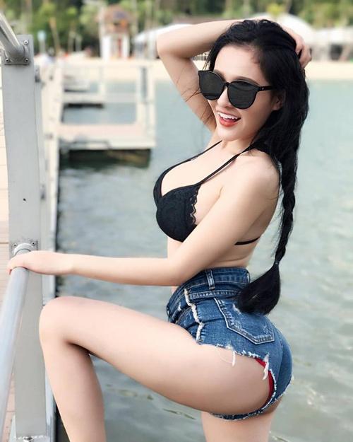 hot girl mông to