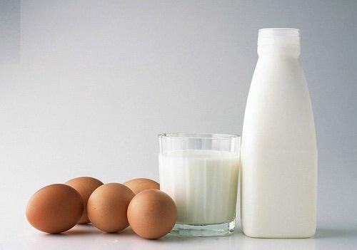 làm trắng da bằng sữa tươi không đường