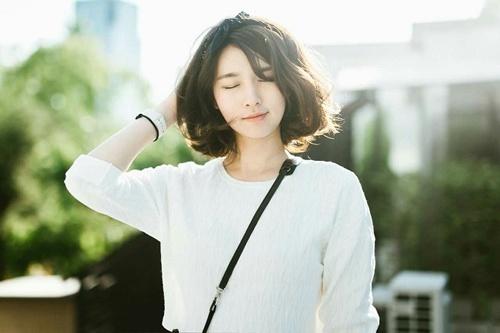 mặt dài trán ngắn hợp với kiểu tóc nào