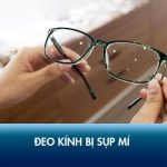 Đeo kính bị sụp mí: Nguyên nhân và cách khắc phục triệt để, không tái phát