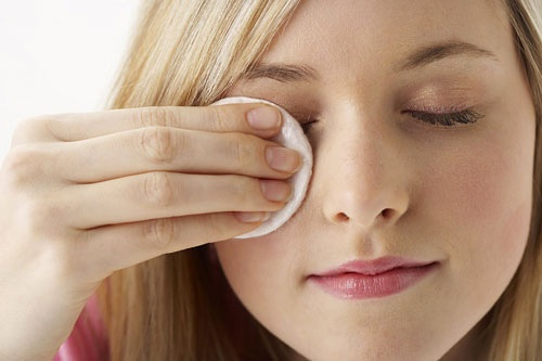 cách chữa sụp mí mắt tự nhiên