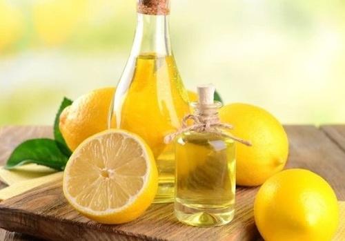 cách dưỡng môi bằng dầu dừa