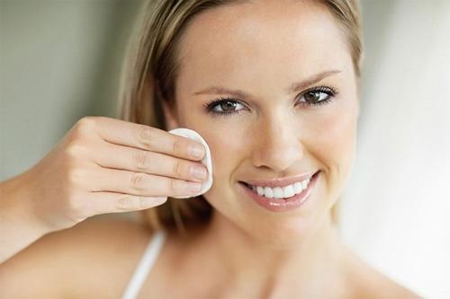 da mặt khô nên dùng gì