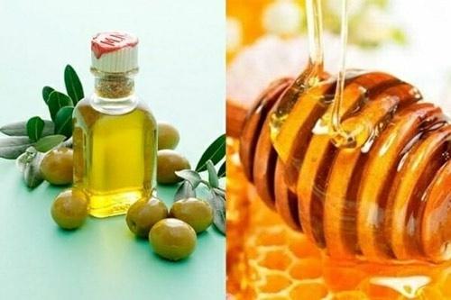 trị thâm môi bằng dầu ô liu