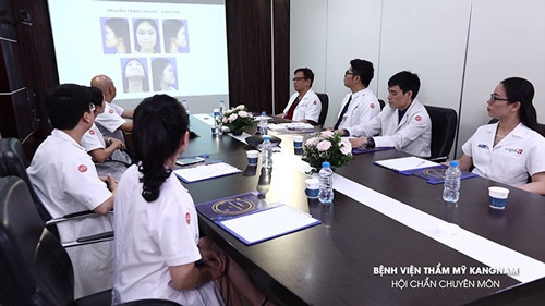 Nguyễn Trang Nhung hở hàm ếch