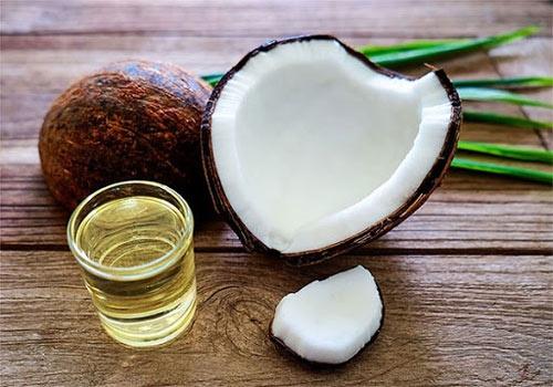 trị thâm quầng mắt bằng dầu dừa