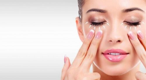 4 cách Chăm sóc da vùng Mắt tốt nhất tại nhà từ Thiên nhiên